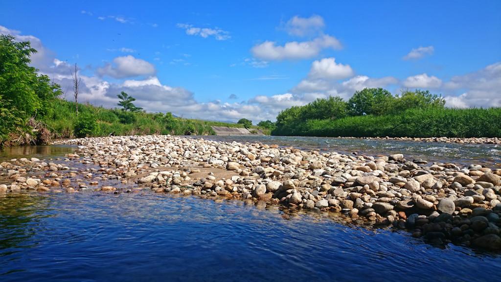 乳房橋から上流方面を見た乳川1