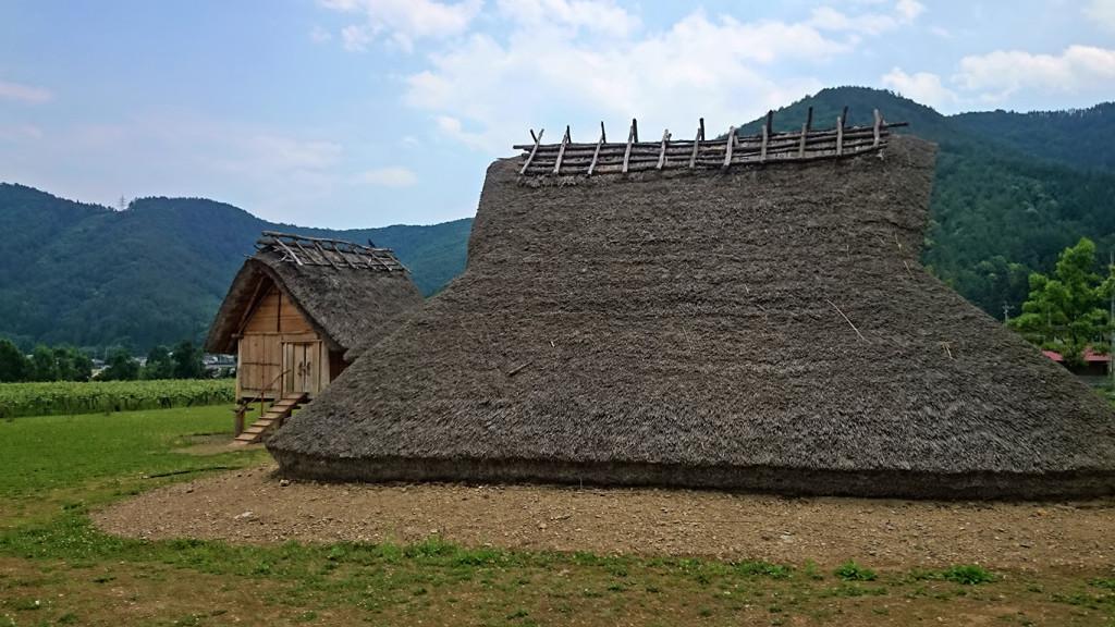 平出遺跡 古墳時代の住居と高床式倉庫
