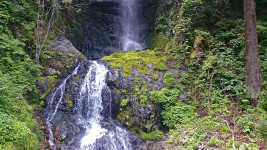 黒沢の滝中間部分