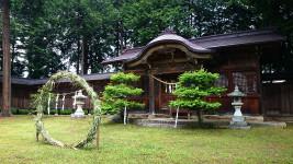 拝殿と茅の輪