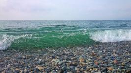 ヒスイ海岸の波打ち際