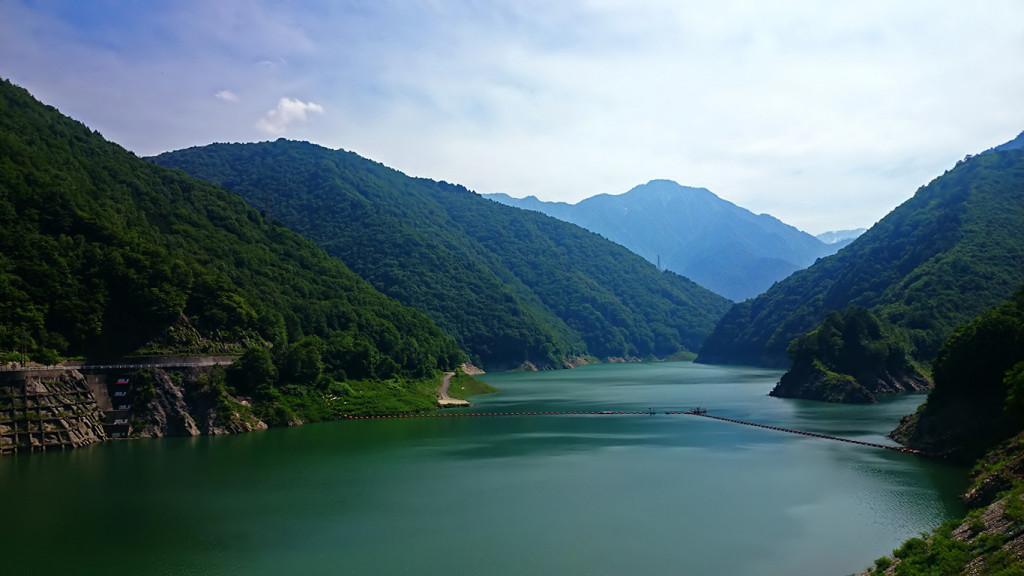 龍神湖(大町ダムのダム湖)