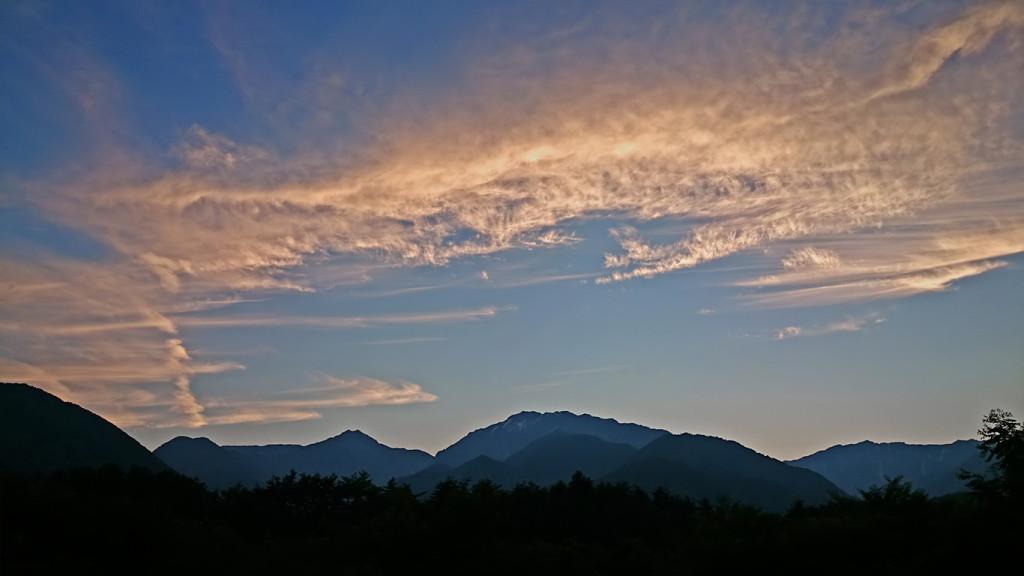大町温泉郷近くでみた夕方の空