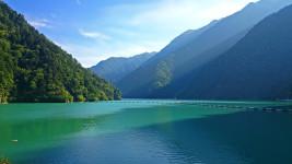 高瀬ダムのダム湖