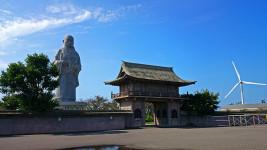巨大親鸞聖人の像
