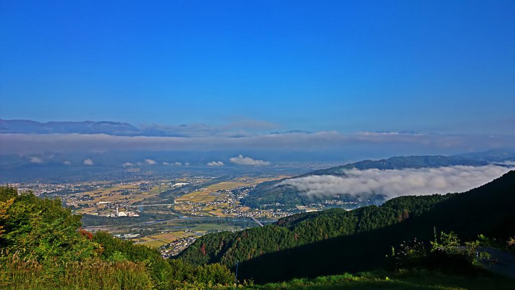 長峰山から大町方面を臨む