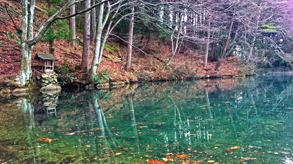 冬の平出の泉