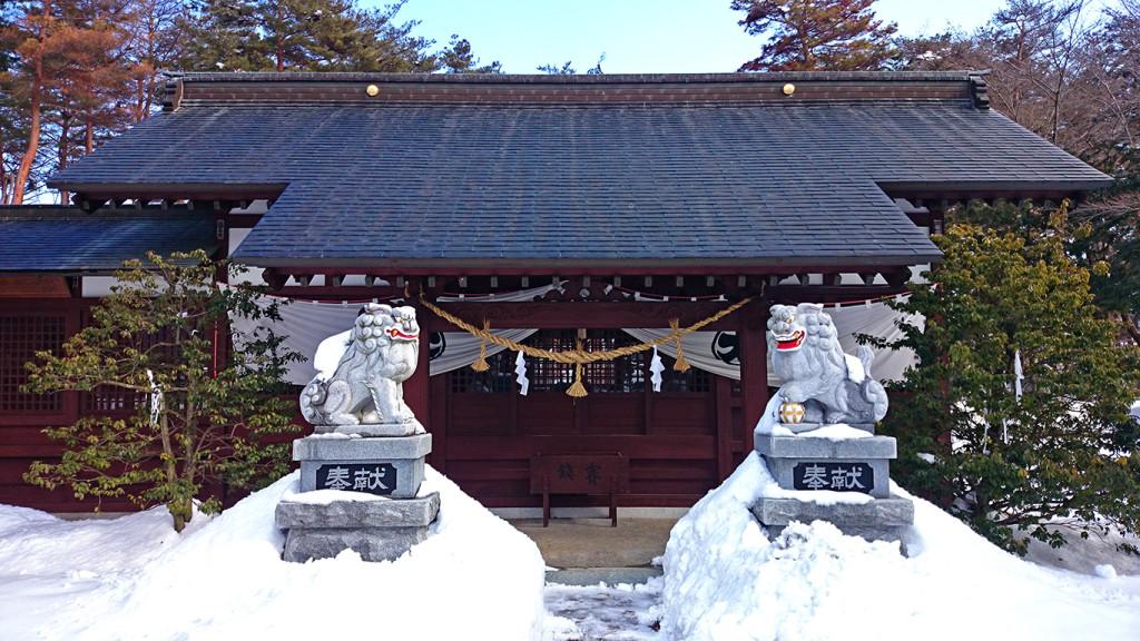 雪景色の穂高伊夜比古神社