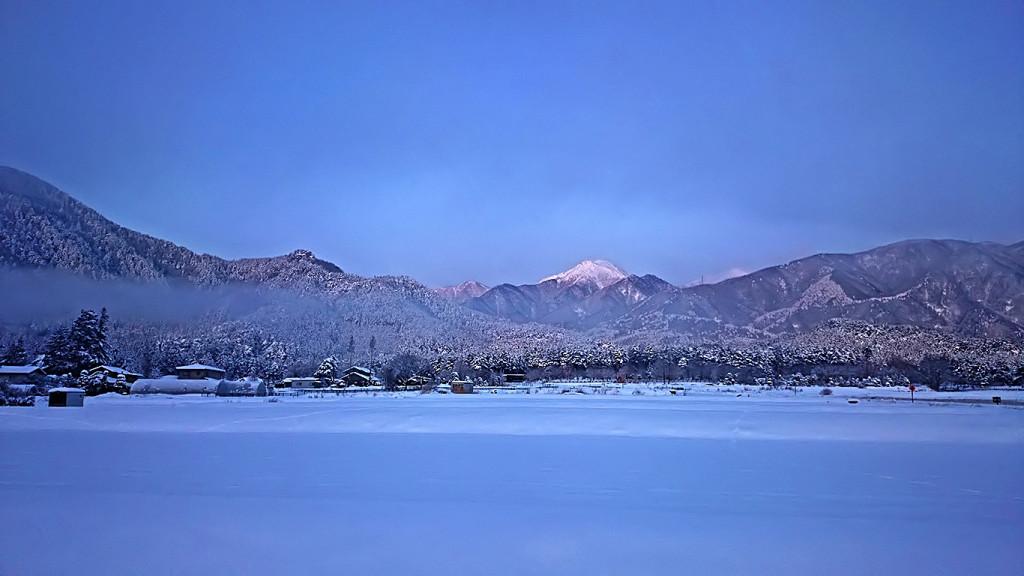 雪原と常念岳