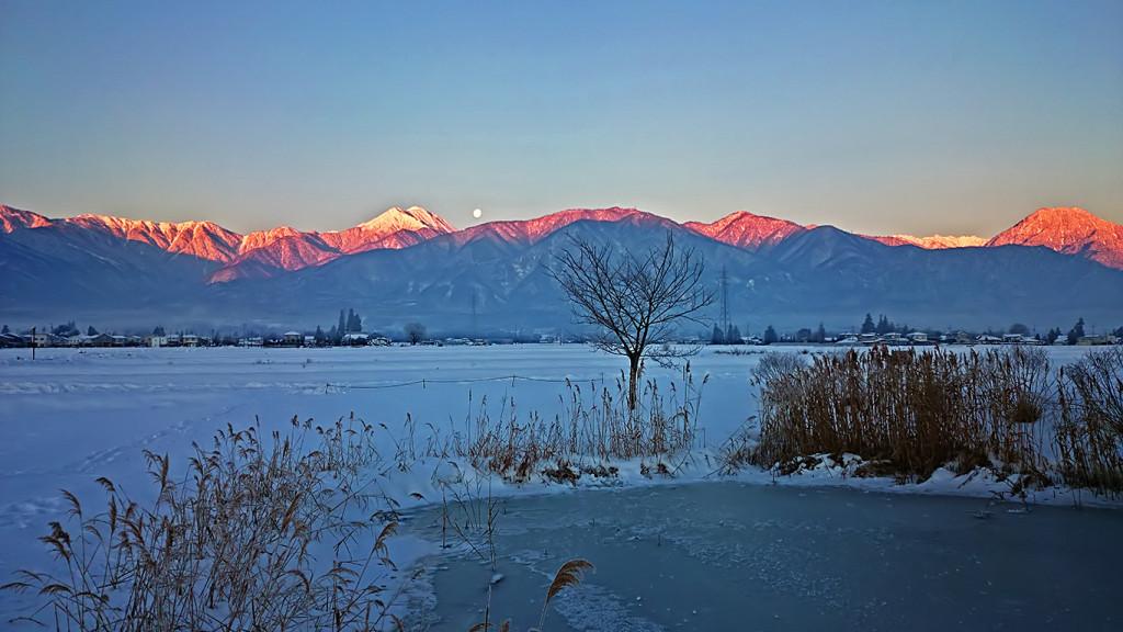 久保田公園から見る常念岳の朝焼け