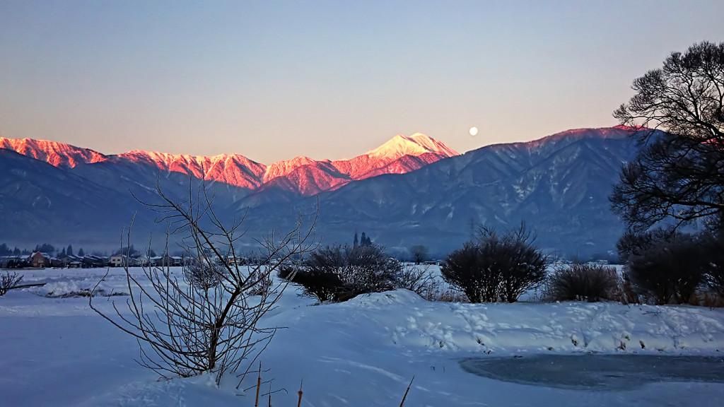 久保田公園から見る常念岳のモルゲンロート
