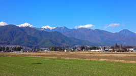 三郷から見る常念岳と横通岳