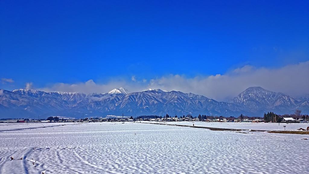雪原と常念岳と有明山