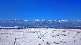 雪景色の安曇野一望