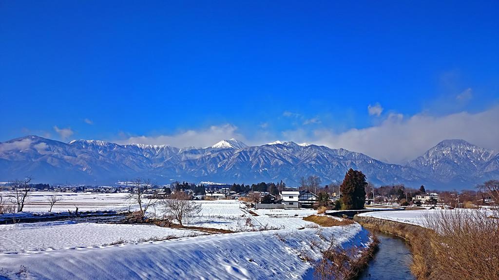 欠川と常念岳と有明山
