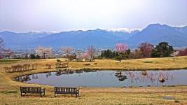 春のあづみ野池田クラフトパ-ク