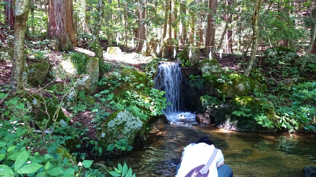 有明山神社の滝