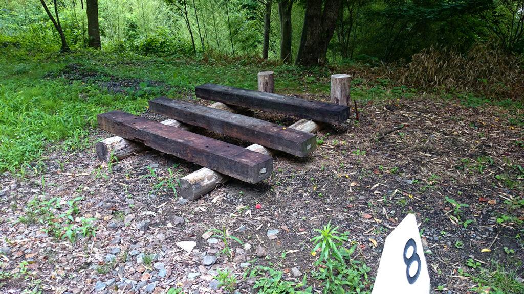 枕木を使ったベンチ?