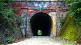 旧国鉄篠ノ井線廃線敷 漆久保トンネル