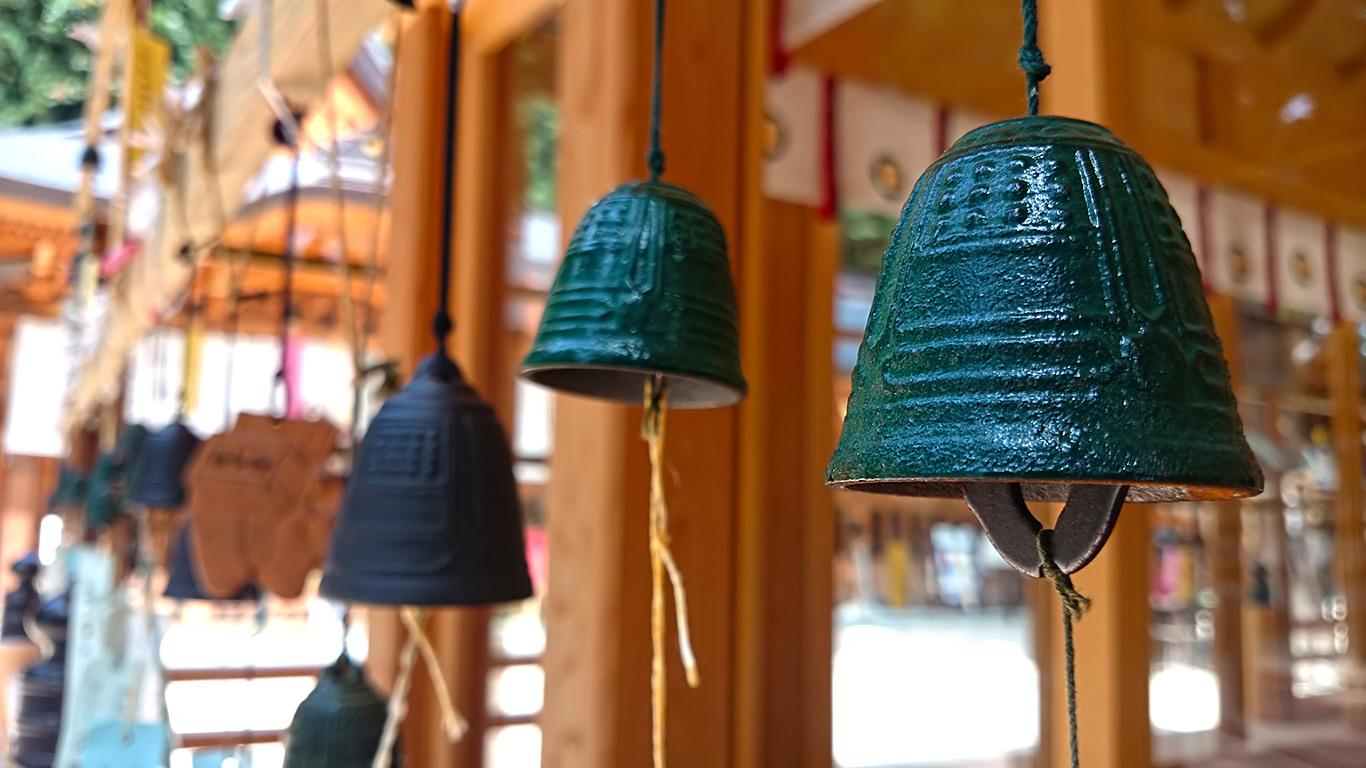 風鈴が揺れる涼し気な穂高神社とポケストップの密集 ほっこり安曇野案内