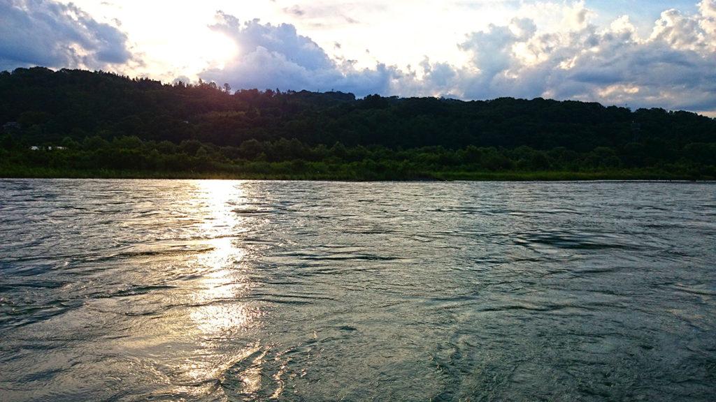 犀川夕方の風景