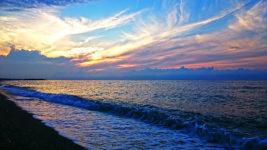 夕暮れ時のヒスイ海岸