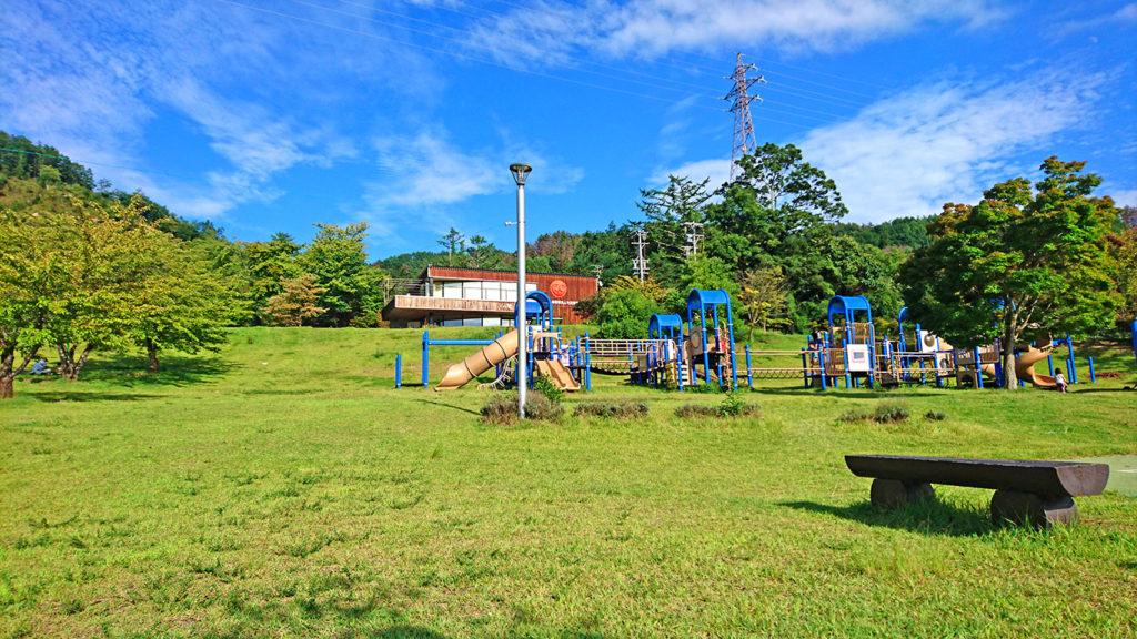 池田町のあづみ野池田クラフトパーク内の遊具