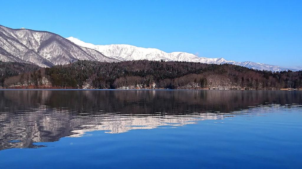 凍てつく朝の青木湖3