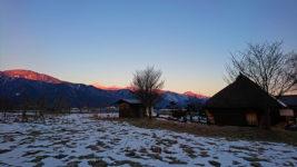三郷のなごみ庵さんから見る常念岳のモルゲンロート