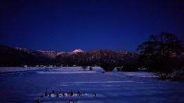 夜明け前の常念岳を久保田公園から