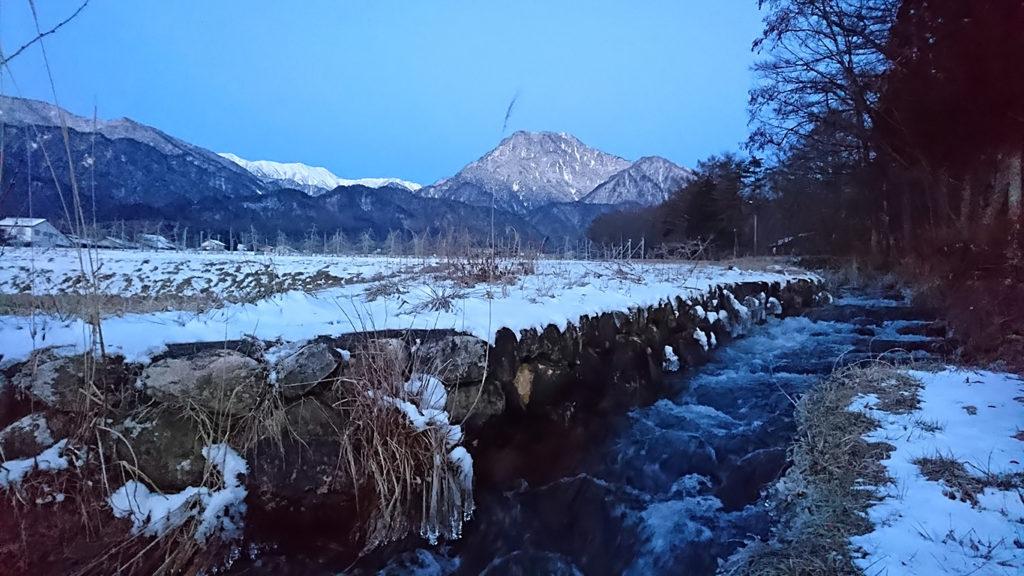 夜明け間近の有明山