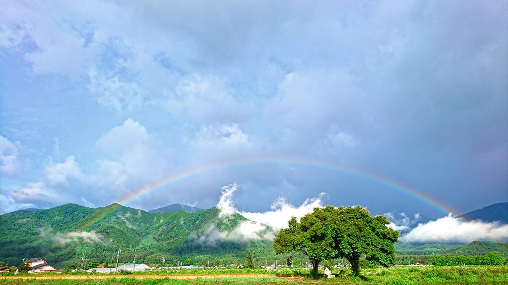 常念道祖神と虹