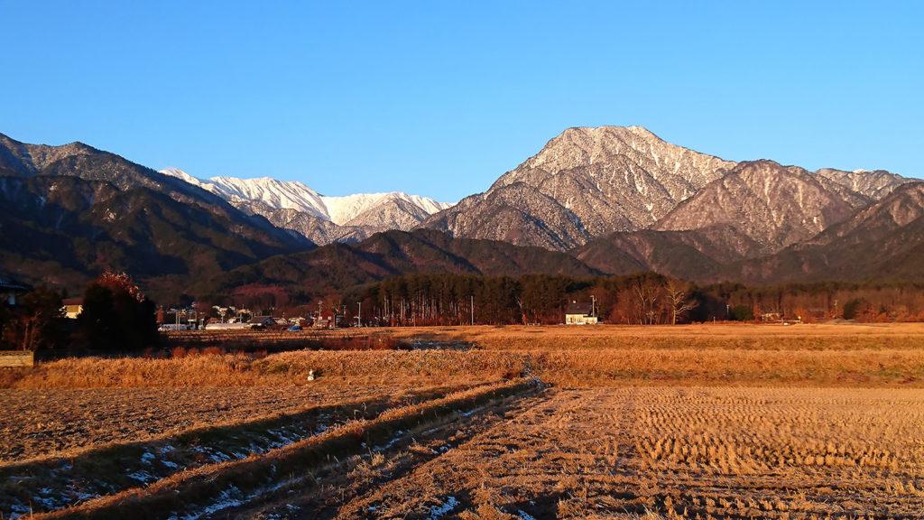 早朝の有明山