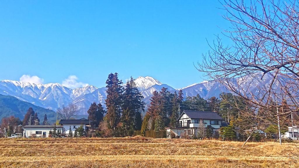 雪が少ない1月の常念岳