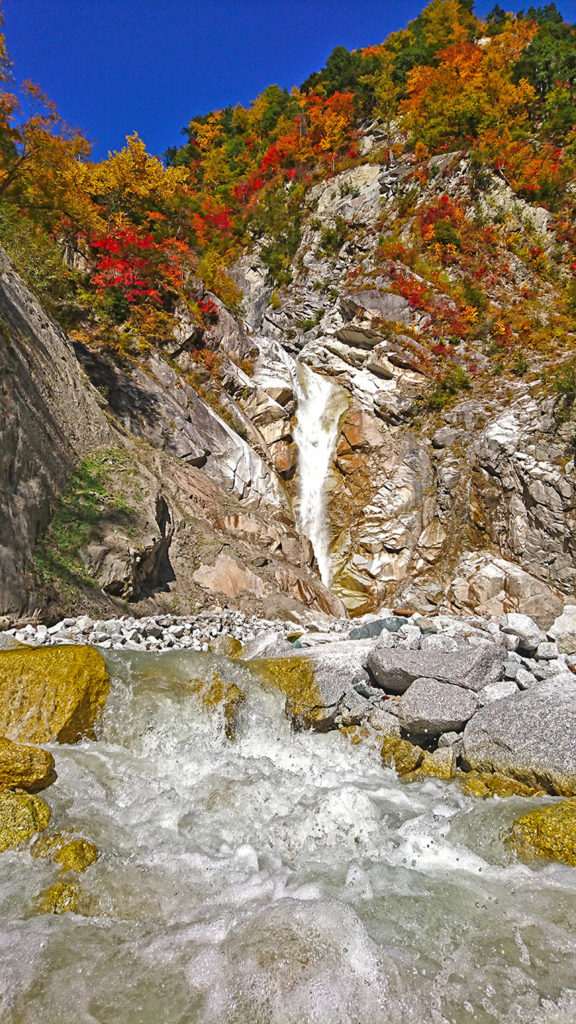 濁沢の滝の紅葉3