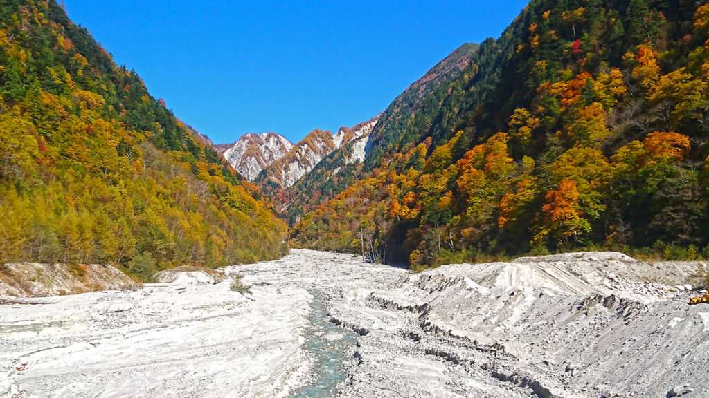 高瀬ダム近くの吊り橋からの風景
