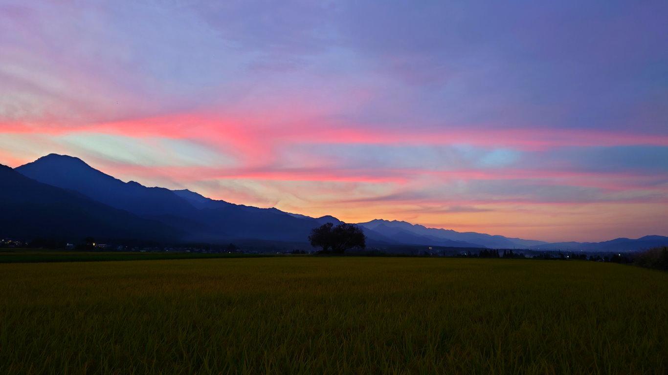 巾上の郷からの夕暮れ時の風景